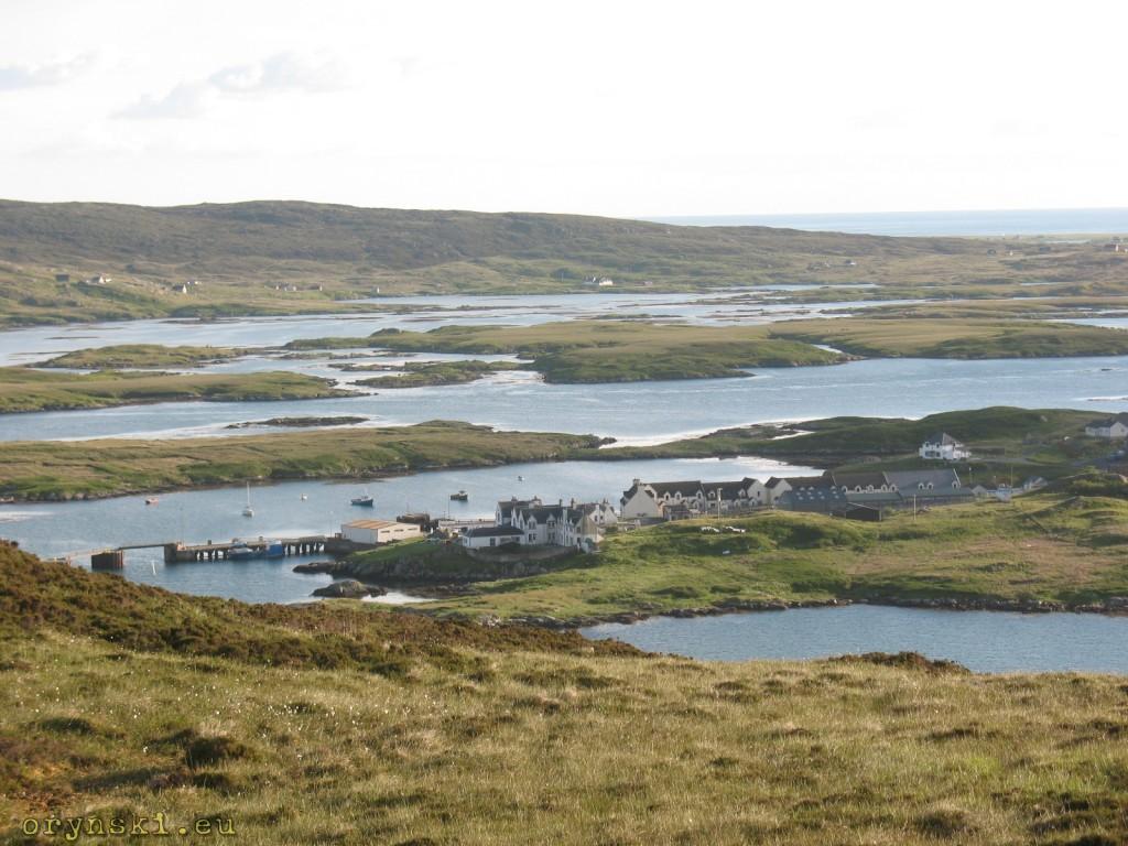 Lochboisdale (gaelik: Loch Baghasdail)