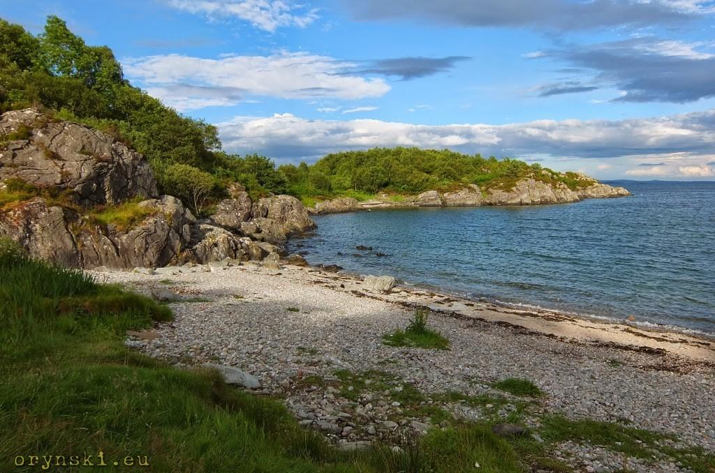 Kamienista zatoczka w pobliżu Tarbert (fot. Adrian Guzy)