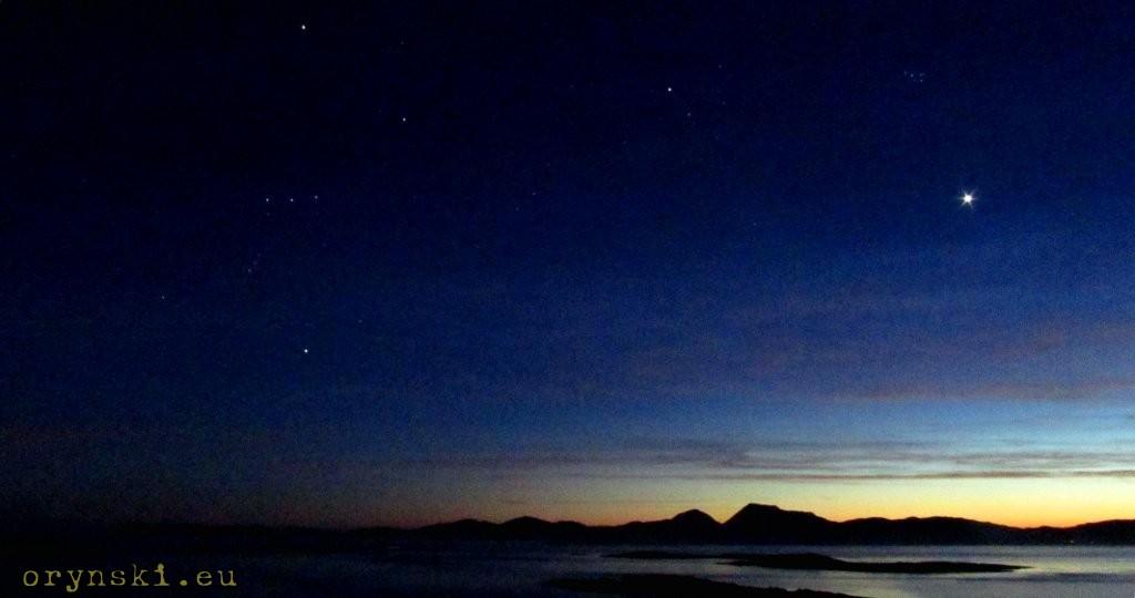 Orion i Wenus wschodząca nad Jurą widziane z South Knapdale