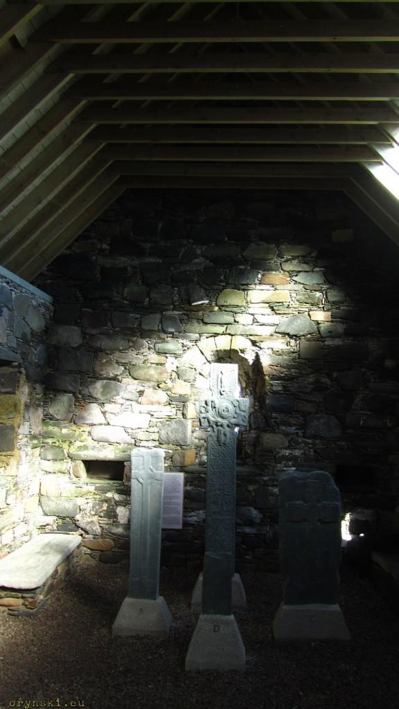 We wnętrzu Keills Chapel