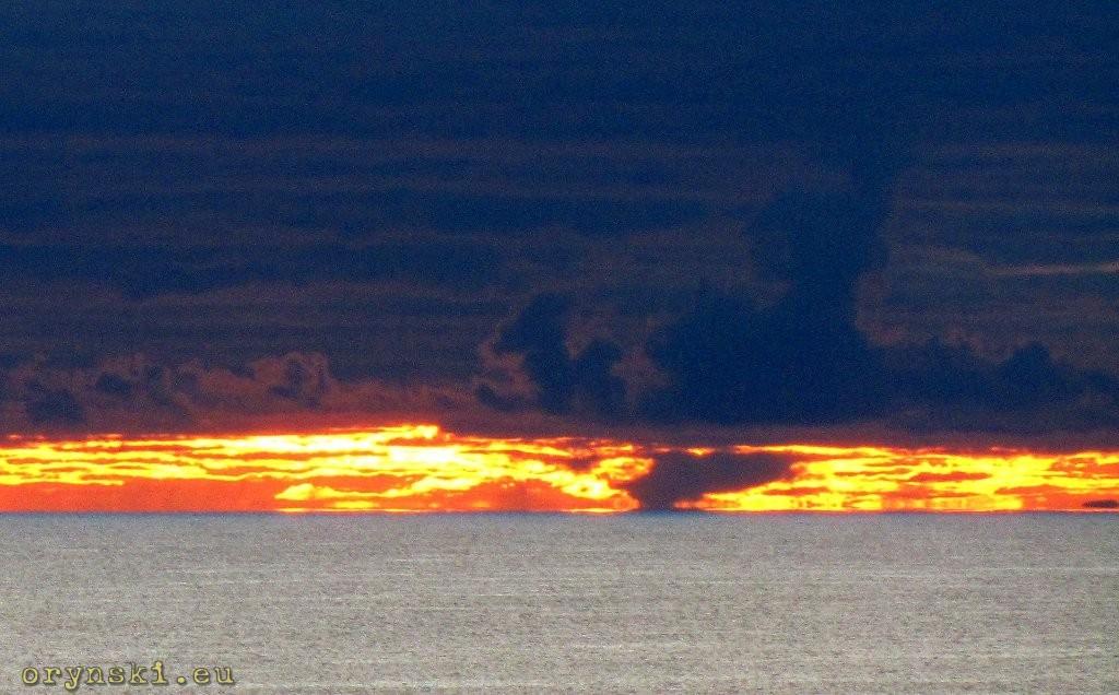 Nawet w pochmurny dzień zachód słońca ogladany z Machulahish to spektakularne widowisko
