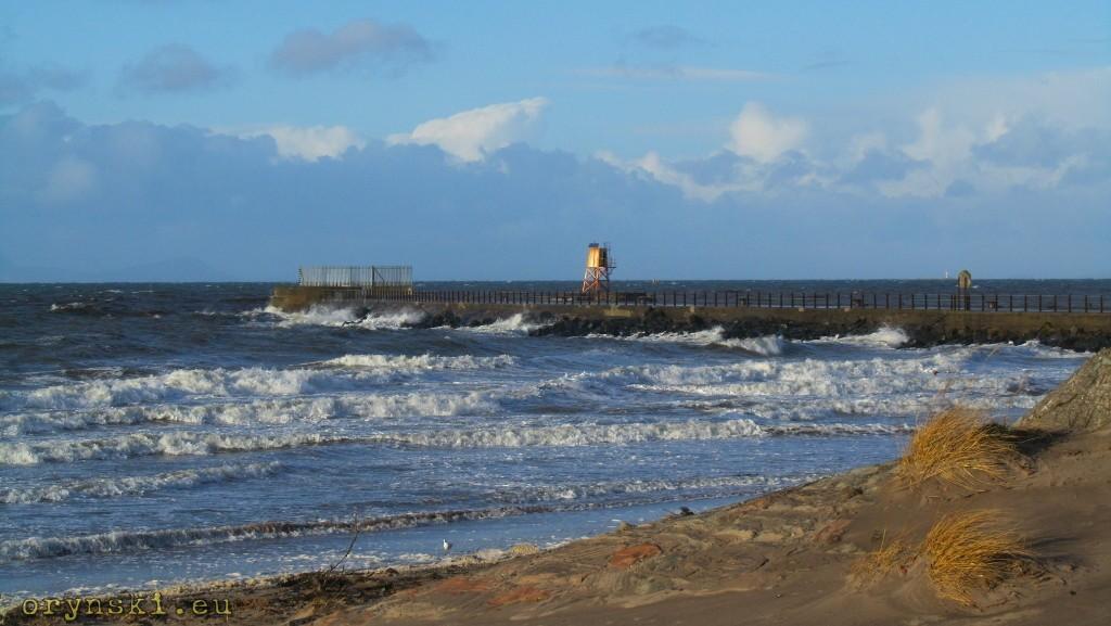 Plaża w Ayr w pogodny grudniowy dzień