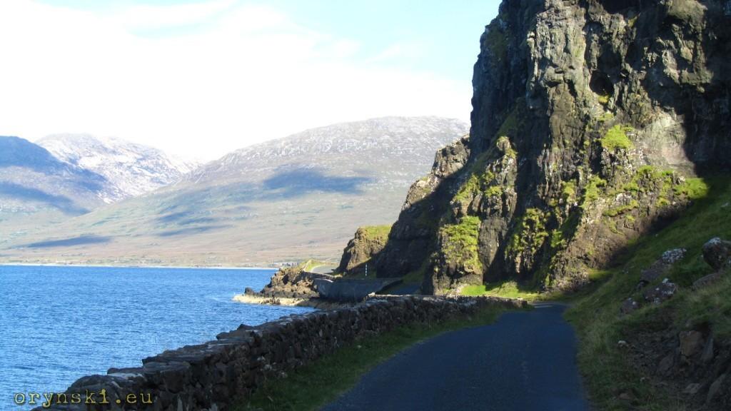 Droga wzdłuż Loch na Keal
