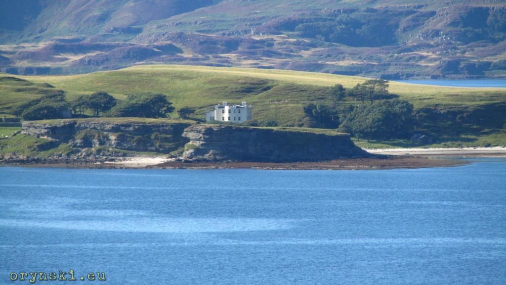 Samotny dom na Inch Kenneth